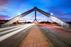 在瓜达尔基维尔河河的Barqueta桥梁在塞维利亚,安大路西亚,西班牙 免版税库存图片