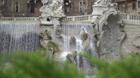 在瓦伦蒂诺公园正方形的喷泉在托里诺,4K的意大利 股票录像