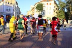 在瓦尔纳大街保加利亚上的滑稽的海盗 免版税图库摄影