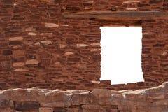 在瓦砾墙壁的视窗 库存照片