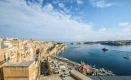 在瓦莱塔和盛大港口,马耳他的看法 库存照片
