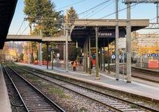 在瓦雷泽北部火车站在市中心,它的火车是瓦雷泽意大利的三个火车站之一  免版税库存图片