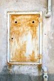 在瓦雷泽意大利sumirago的抽象钢padock邮编 库存照片