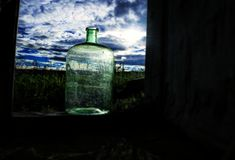 在瓶的云彩 库存图片