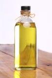 在瓶的橄榄油 免版税库存图片