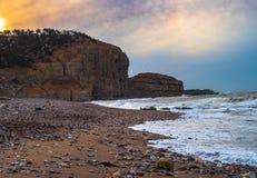 在瓷的岩石海岸 免版税库存照片