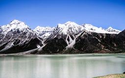 在瓷的美好的西藏风景 免版税库存照片