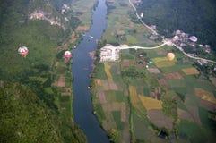 在瓷锂河yangshuo之上 免版税库存图片