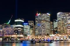 在生动的悉尼光节日期间的达令港 免版税库存图片