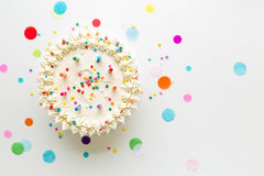 在生日蛋糕之上 库存图片