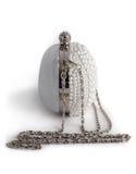 在用珍珠装饰的链子的提包 免版税库存图片