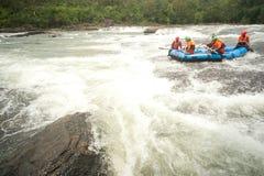 在用筏子运送赛跑的活动在泰国。 库存照片