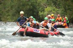 在用筏子运送赛跑的活动在泰国。 免版税图库摄影
