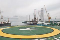 在甲板钻直升机部件之后 免版税图库摄影