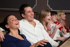 在电影的笑的听众 图库摄影