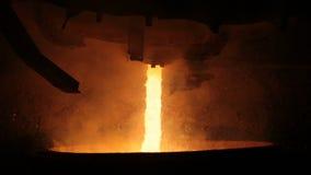 在电炉的钢铁生产 巨大的铁器 股票视频