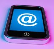 在电话的标志显示@在标志电子邮件 免版税库存图片