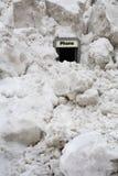 在电话附近堆雪 免版税图库摄影