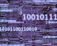 在电路板背景的二进制编码数字 免版税图库摄影