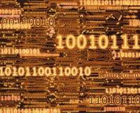 在电路板背景的二进制编码数字 库存照片