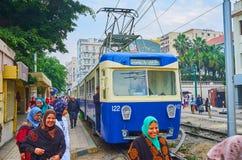 在电车,亚历山大,埃及的人群 免版税库存照片