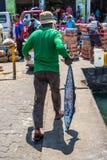 在男性,马尔代夫的鱼市 图库摄影