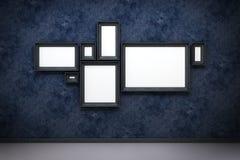 在画廊的空白框架 免版税库存图片