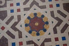 在画廊维托里奥Emanuele地板上的马赛克细节II在米兰,意大利 米兰老豪华购物拱廊内部 库存图片