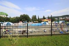 在疗养院Belokuriha的室外水池 免版税库存照片