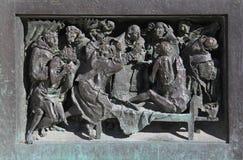 在瘟疫被触击的人中的圣查尔斯 图库摄影