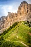 在白云岩南蒂罗尔意大利的足迹 免版税库存图片