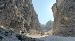在白云岩的岩石风景,意大利 库存图片