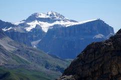 在白云岩的著名Sella山小组/Piz Boe峰顶3000米 库存照片