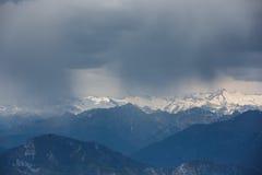 在白云岩的暴风云 库存照片