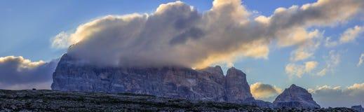在白云岩的Croda dei措尼 库存照片