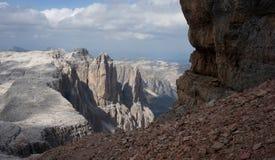 在白云岩/南部的粗砺和陡峭的山蒂罗尔 免版税图库摄影