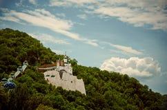 在白垩小山的城堡 免版税库存图片