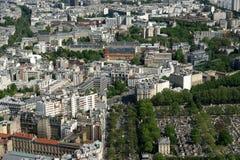 在白天的城市地平线。巴黎,法国。 库存照片
