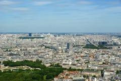 在白天的城市地平线。巴黎,法国 库存图片