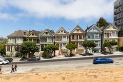 在白杨广场,旧金山,加利福尼亚,美国附近的被绘的夫人 免版税库存图片