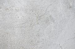 在白涂料的老混凝土墙 免版税库存照片