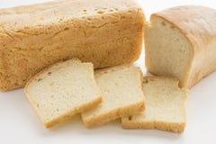 在白色上添面包 免版税库存照片