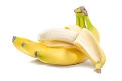 在白色与开放一个的香蕉隔绝的束 免版税库存照片