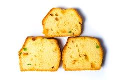 在白色切隔绝的果子面包 免版税库存图片