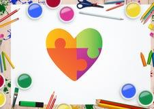 在白色卡片的心脏形状反对固定式项目在背景中 免版税库存图片