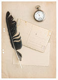 在白色和明信片隔绝的葡萄酒纸 库存照片