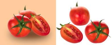 在白色和棕色背景隔绝的新鲜的红色蕃茄,与c 库存图片