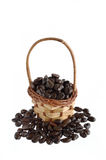 咖啡豆和篮子 图库摄影