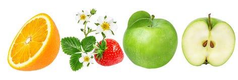 在白色和苹果隔绝的桔子、草莓 库存照片