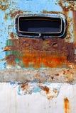 在白色和蓝色船墙壁的圆的舷窗 库存图片